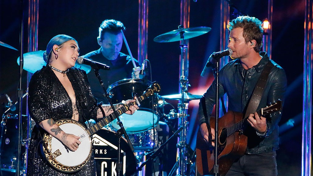Watch Dierks Bentley And Elle King Duet At The Grande Ole Opry